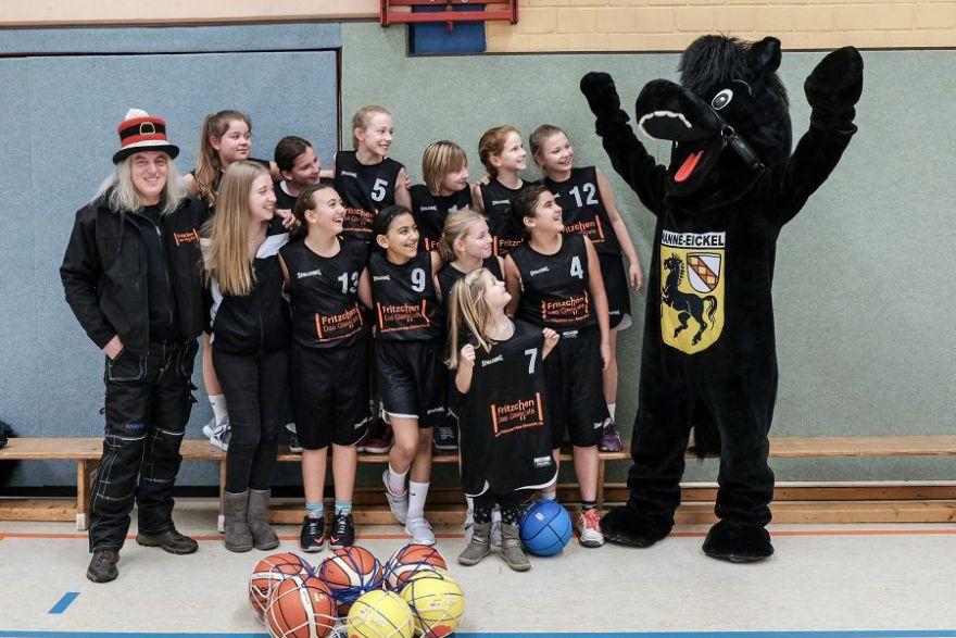 Neuer Sponsor für U12 Basketballerinnen